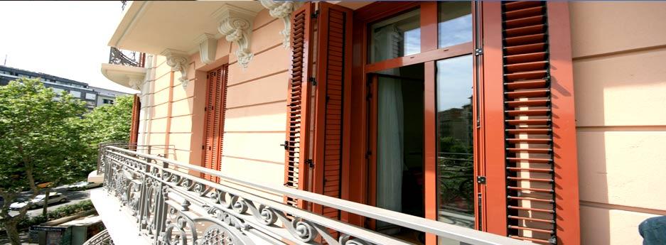 Tamiluz fabricantes de celos as mallorquinas persianas for Porticones madera exteriores